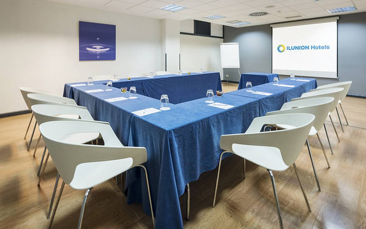 Meeting-rooms hotel ilunion romareda zaragoza